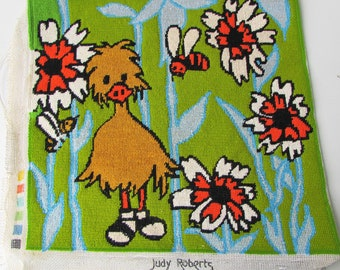 Tapisserie à l'aiguille rétro vintage Needlepoint fini - 1970 ' s Big Bird caneton Groovy broderie florale - bleu clair - Vert - Orange - jaune-
