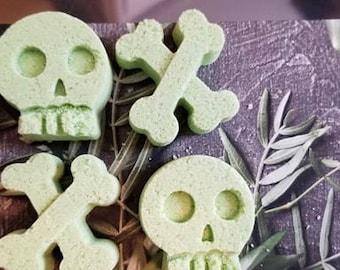 Skulls and Crossbones bath bomb, Skulls bath bomb, Bath fizzy, Sinus relief