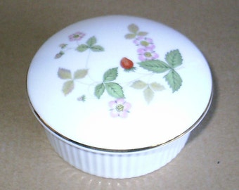 Wedgwood Wild Strawberry Round Box