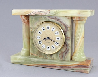 Vintage working marble desk clock, small mantle clock