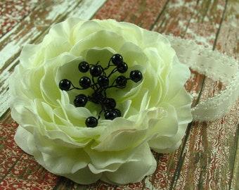 Lace Headbands / White Ranunculus Flower Headband / Lace Headband / Newborn Headband / Baby Headband / Infant Headbands / Photo Prop