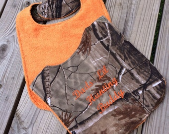 Realtree camo embroidered bib