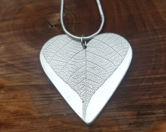Solid silver heart shaped leaf pendant