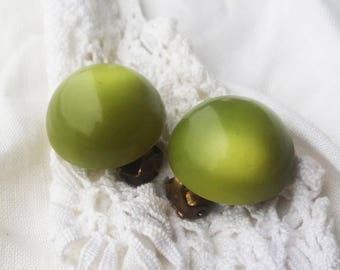 Vintage Lime Green Lucite Clip On Earrings - 1950 -  Vintage