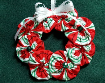 Red Green and White Striped Snowflake YoYo Wreath Ornament -Large