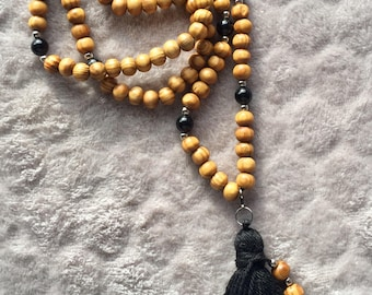 Natural wood and black Obsidian necklace