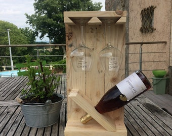 bottle and glass wooden pallets