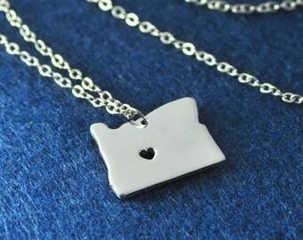 Oregon Pendant,I heart Oregon Necklace,Custom Oregon Necklace, State Map Jewelry, Personalized Silver Pendant ,Map Jewelry