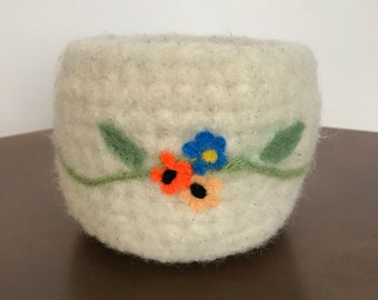 Gorgeous Knitted & Felted Bowl With Dry Felting Design-White/Flowers