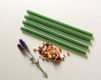 Glass Straw Set of Four in Emerald Green