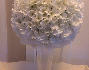 Artificial large hydrangea wedding table centrepiece with ivory stunning hydrangea flowers martini or trumpet vase display
