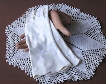 Vintage Gloves . Embroidered Starbursts