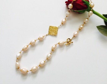 Pretty in Pink Pearls Necklace.