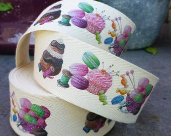 Religious Ribbon, cupcake and macarons Twill 35 mm