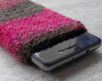 hand knit cell phone iphone smartphone slip case knitted universal 5 various colours