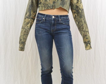 Vintage Camouflage Crop Top, Size Medium, Oversized, Mossy Oak, Hunting, Outdoor Clothing, Tumblr Clothing