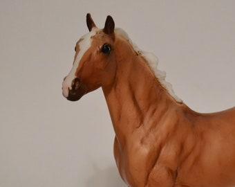 Breyer Horse (Classic) - Palomino