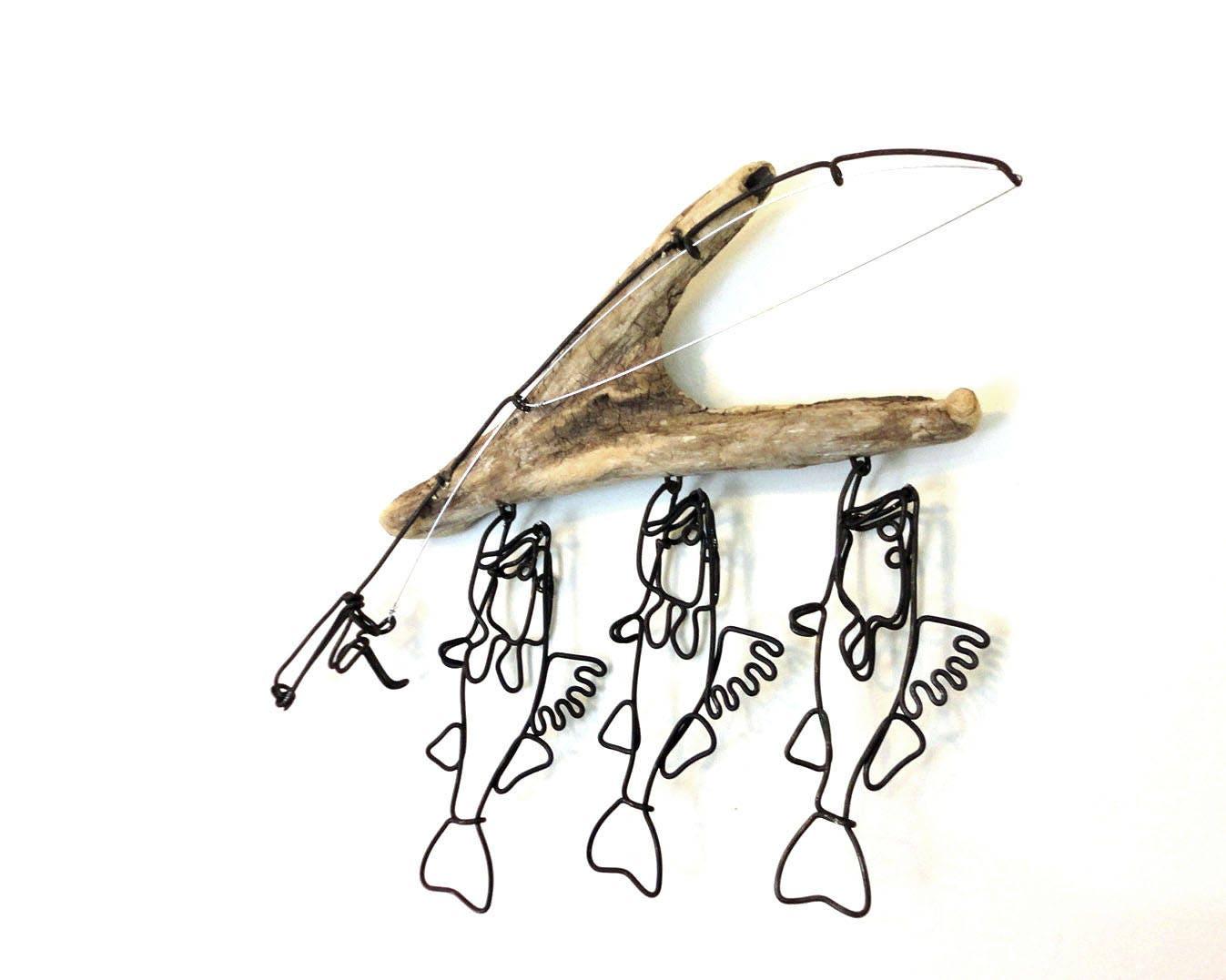 Zander Stringer und Angelrute Draht-Skulptur Zander Draht