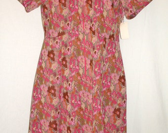 Vintage Polyester Late 60s-early 70s Home Sewn Dress — Pink/Brown/Tan Pixillated Flower Weave — size 12-14