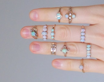 Antique Opal Ring. 14K Gold. Four Stone Row. Size 8