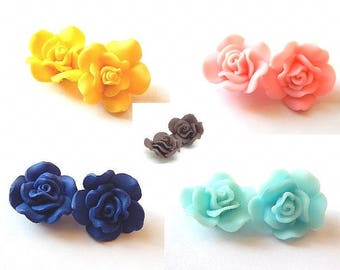 2 flower shaped Rose polymer clay beads 30x15mm //couleur choice