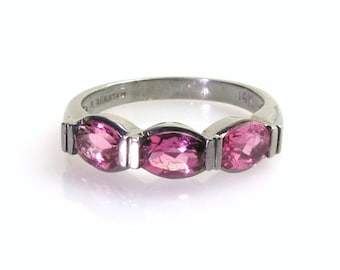 Pink tourmaline ring .