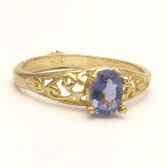 Handmade 14kt Gold Iolite Filigree Ring