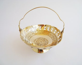 Vintage small basket brass, Decorative basket with handle, Court candy, brass basket ornament, brass decor