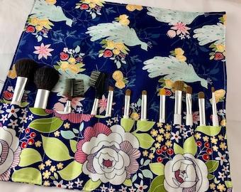 Blue Makeup Brush Roll Makeup Brush Organizer Travel MakeUp Brush Holder - Makeup Brush Case Riley Blake Garden Main in Navy