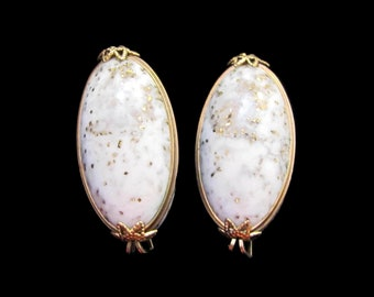Vintage Castlecraft White, Gray & Gold Lucite Clip On Earrings