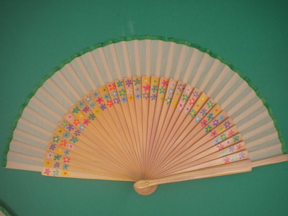 Ditsy Floral Hand Fan