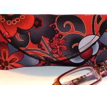 Eyeglass Case - Magnetic Closure - Black and Red - Floral