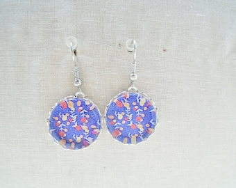 Flower cabochon earrings
