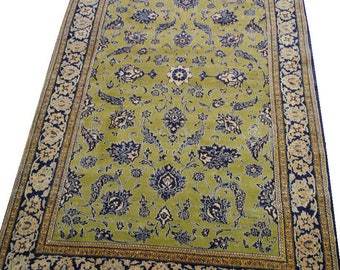 Authentic Persian carpet made 257cmx166cm size hands.