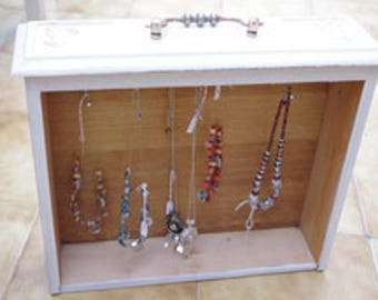 Wearing necklaces drawer