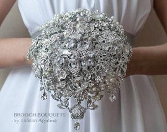 Brooch bouquet. The Great Getsby Crystal wedding brooch bouquet, Jeweled Bouquet. Quinceanera keepsake bouquet