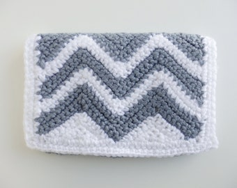 crochet clutch, crochet wallet, crochet purse, bags and handbags, women's handbags, women's accessories, crochet zig zag, chevron