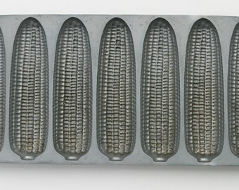 Antique Very Rare GRISWOLD Erie PA Chromium Rare x-Large No. 283 Crispy Corn Stick Pan Cast Iron Shaped Corn Bread Pan Organically Seasoned