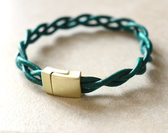 Green leather bracelet, Braided leather bracelet, Gold bracelet green leather, Gold magnetic clasp, Stacking bracelet
