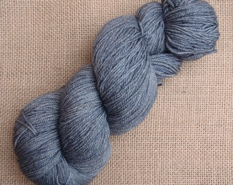 "Hand dyed British Bluefaced Leicester/silk/cashmere 4 ply/sock yarn in ""Hephaestus"""