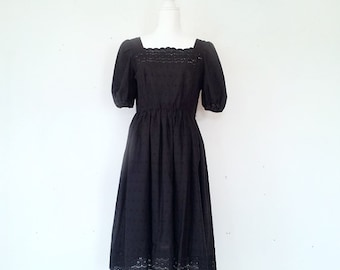 1970s Black Eyelet Fit and Flare Day Dress 70s Vintage Boho Cotton Kappi Full Skirt Square Neck Medium Goth Lace Summer Garden Party Dress