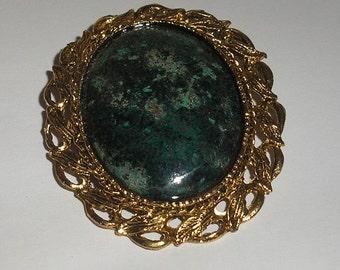 Dark Green Stone Oval Pendent Pin