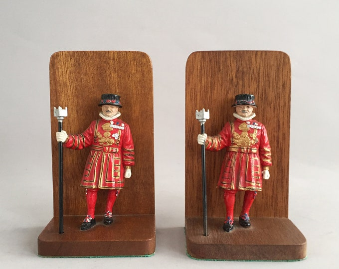 Beefeater bookends