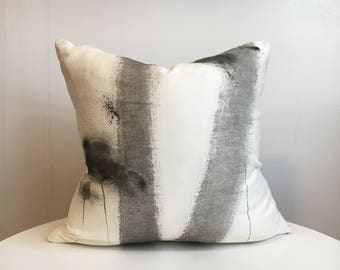 Alley - 4L Hand painted / Hand crafted Accent Cushion Cover