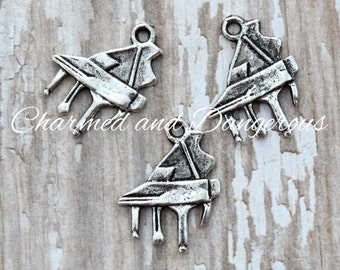 10 Pewter Grand Piano charms (CM91)