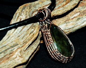 Labradorite Pendant in Copper Wire Weaving Frame, Teardrop Shape Stone with Green and Gold Flash, Delicate Handmade Necklace, One of a Kind