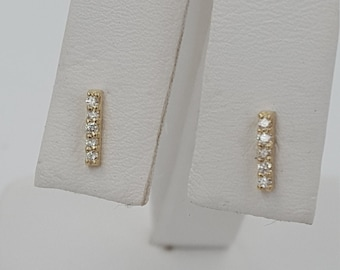 Diamond earring. 12 carats 14KT yellow gold