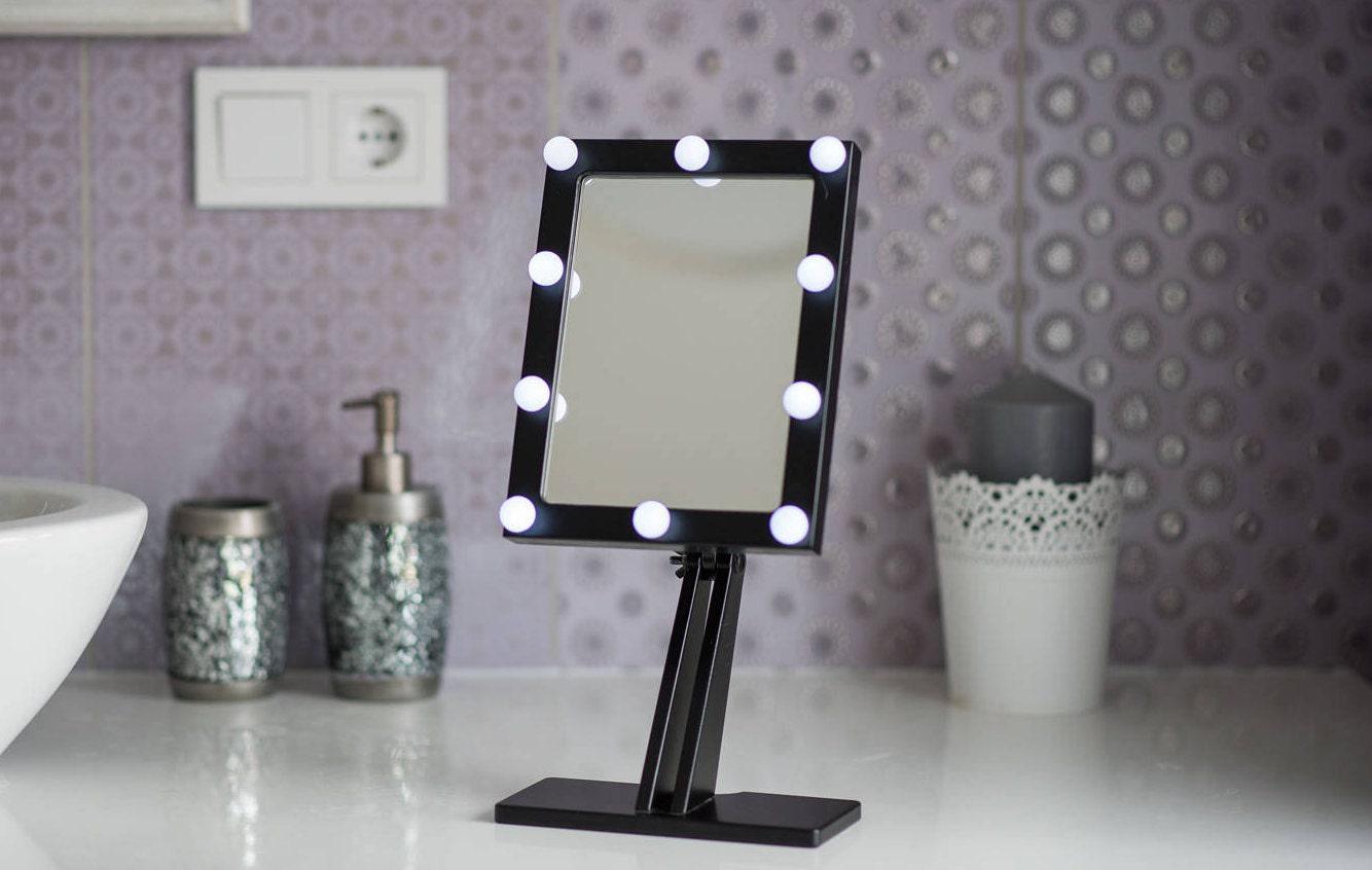 Vanite Salle Bain Bf ~ miroir de maquillage noir avec des lumi res hollywood clair