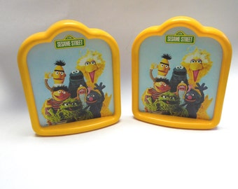 Sesame Street Bookends Big Bird Oscar the Grouch Cookie Monster Bert Ernie Grover Prairie Dawn 1980