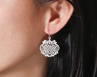 Gold Filigree Earrings. Bridal Jewelry. Bridesmaid Earrings. Everyday Earrings.Gift for Her